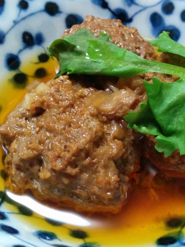 肉団子入りのコフタカレーの写真