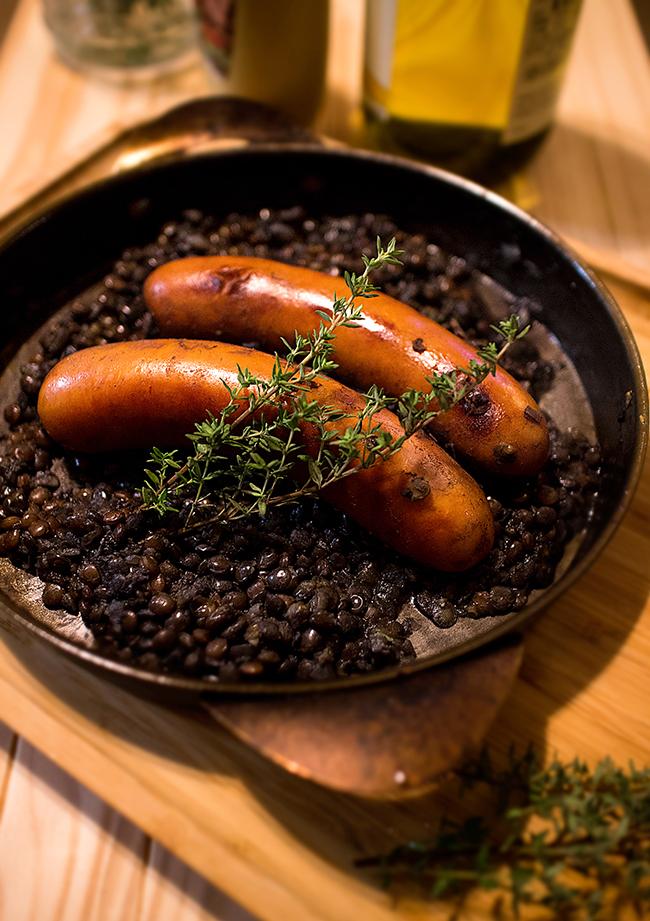 ソーセージとレンズ豆の煮込みの写真