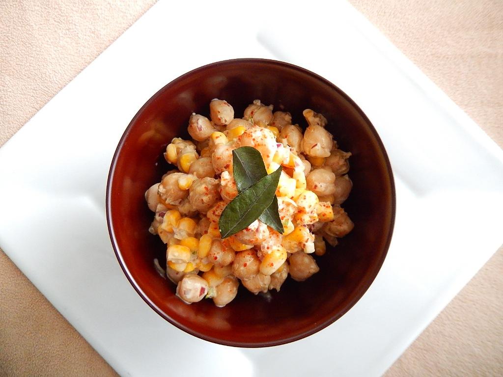 スリランカ風ひよこ豆とコーンのサラダの写真