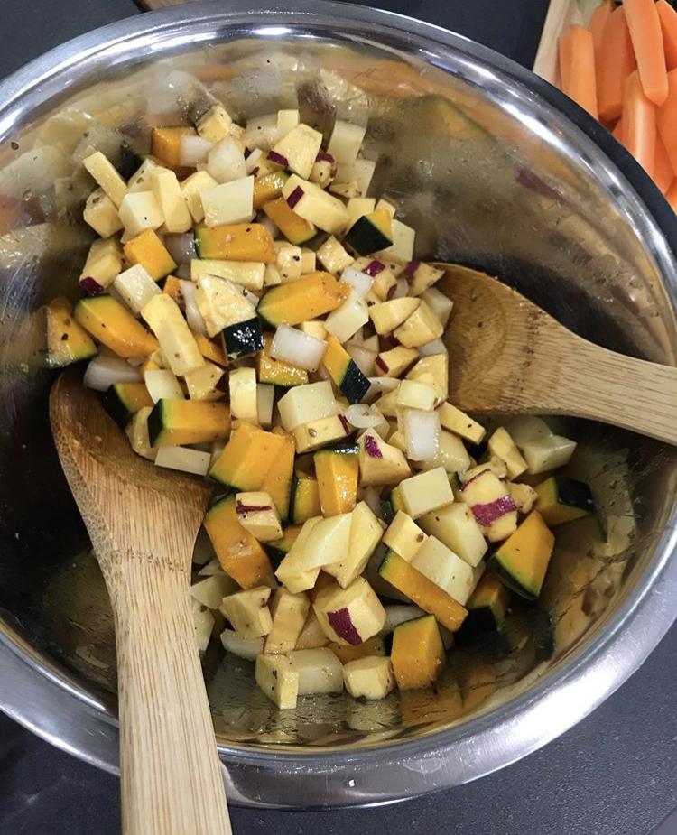 オーブン任せの根菜ローストの写真