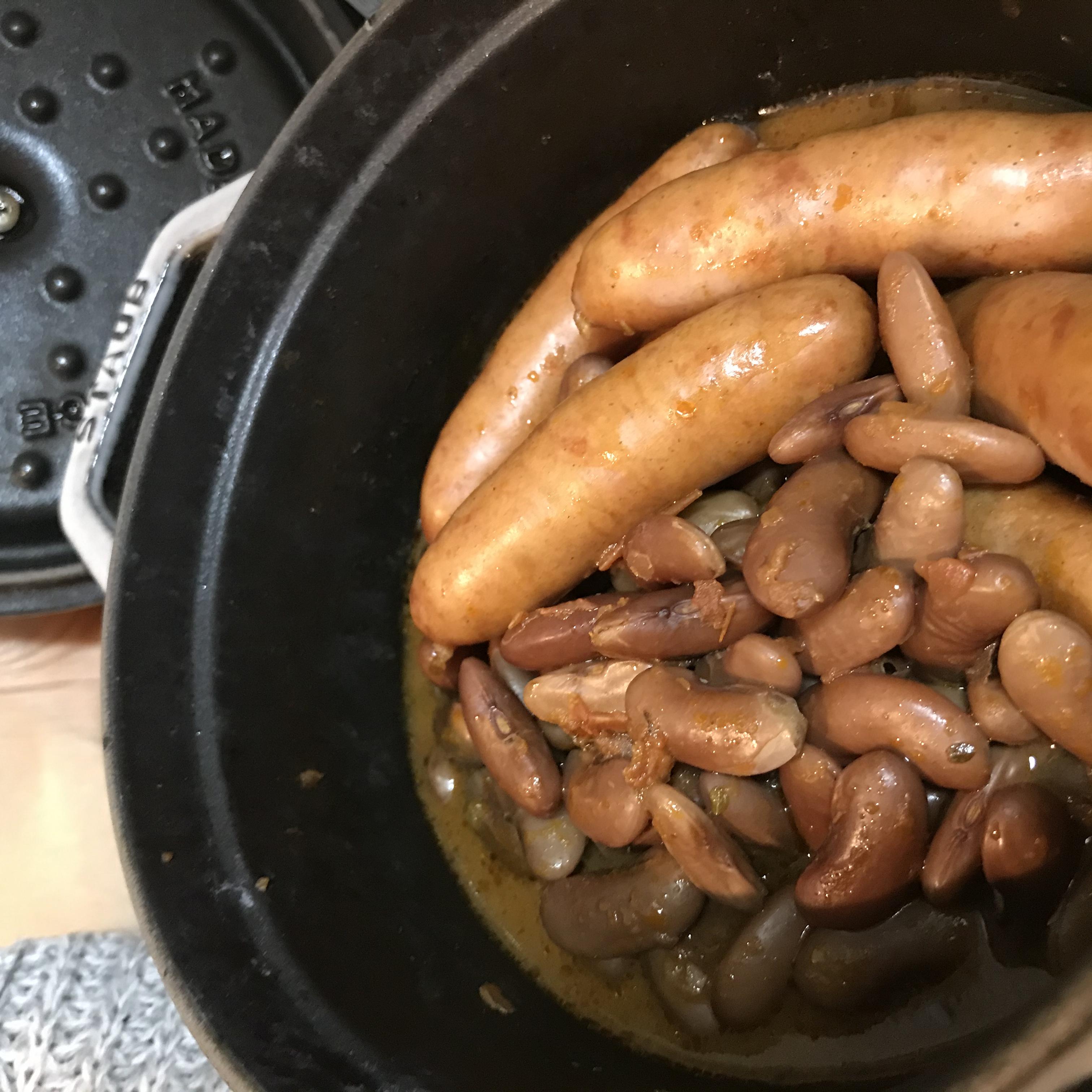 いんげん豆とソーセージのカスレの写真