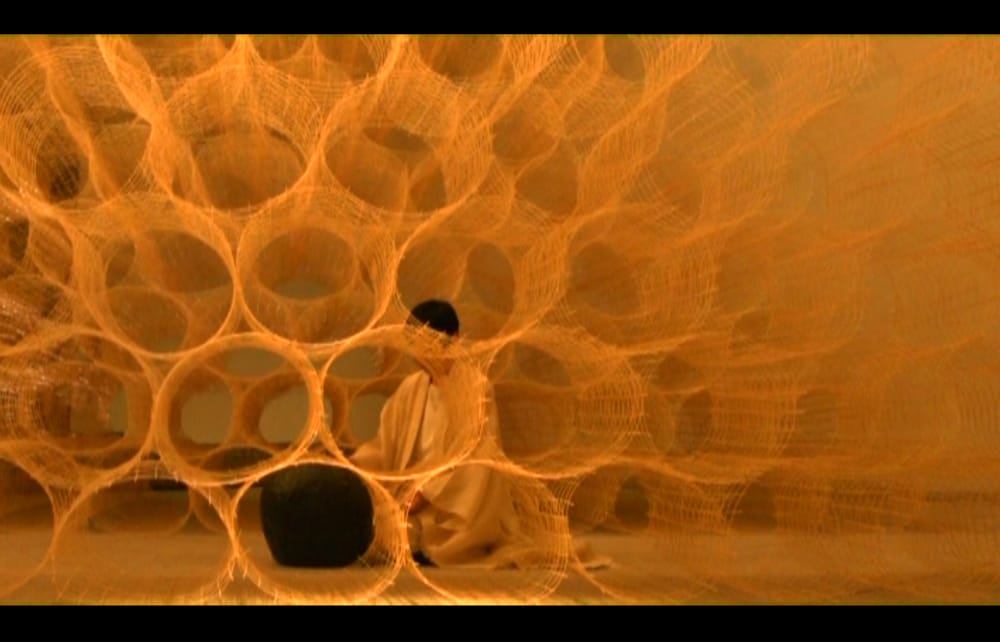 永田砂知子 波紋音パフォーマンス イサム・ノグチ「天国」 4 - 映像の一部をご紹介