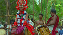 Theyyam - A Ritual Art From Kerala [DVD] 2 -