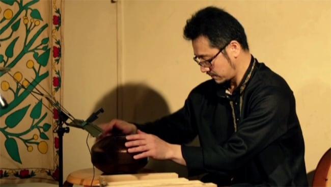 JUNZO TATEIWA SOLO Live At Otoya-Kintoki(2015.7.4SAT) [DVD] 4 - さまざまな楽器が登場します