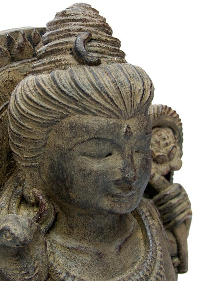 バリのアンティーク風石像 - シヴァの写真2 - とてもいい作りで雰囲気があります