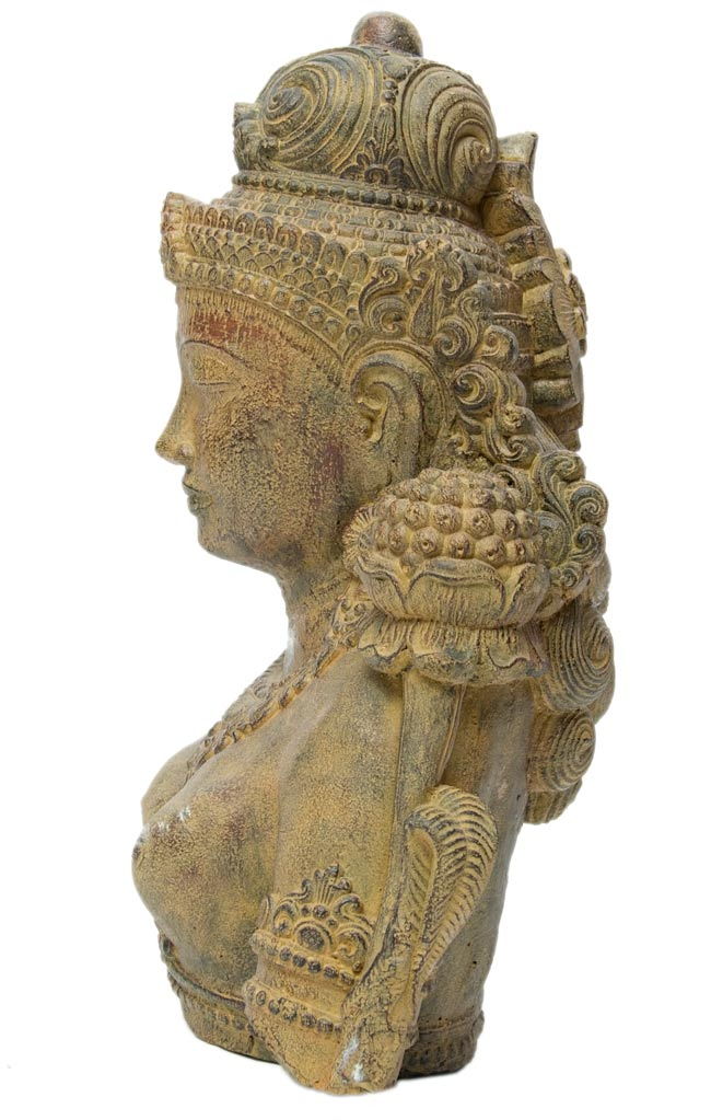 バリのアンティーク風石像 - ターラー菩薩の写真3 - 横から写しました