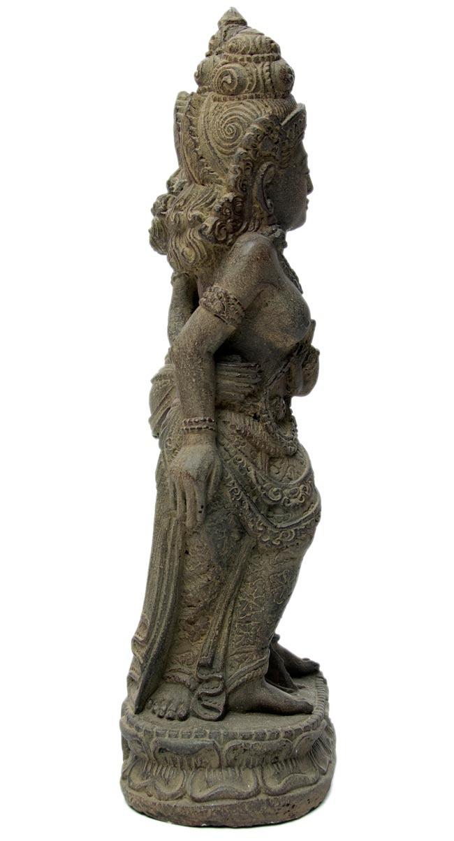 バリのアンティーク風石像 - ラーマ&シータの写真3 - 横から写しました