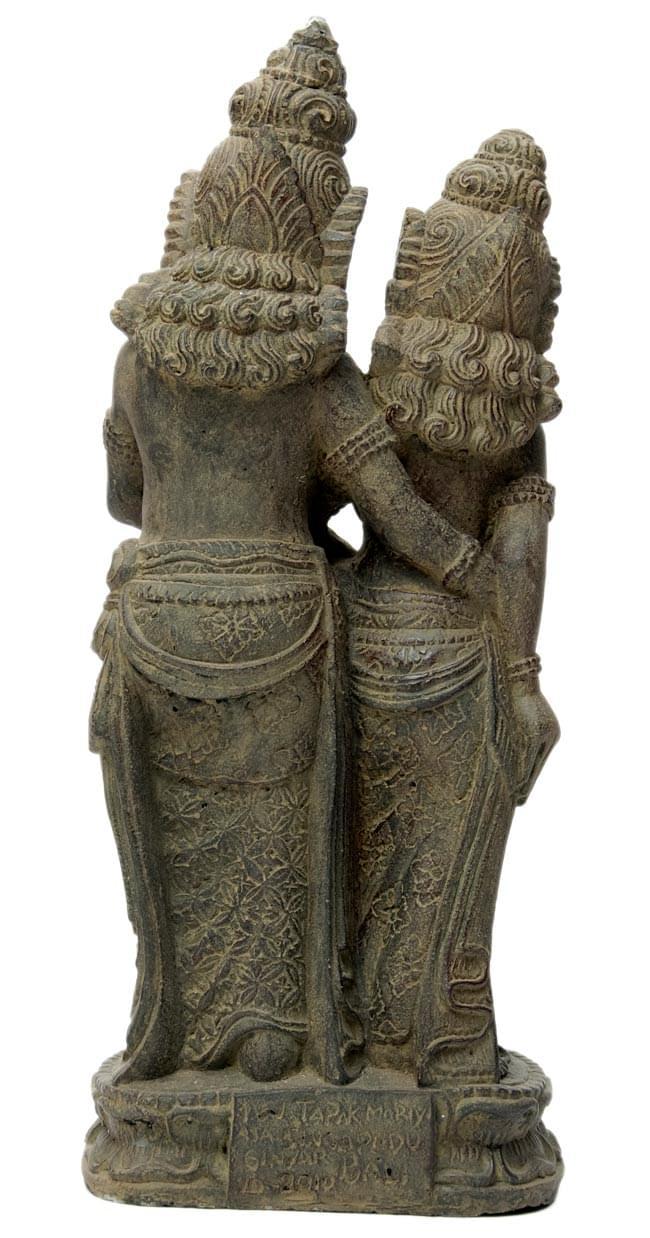 バリのアンティーク風石像 - ラーマ&シータの写真5 - 後ろからの写真です