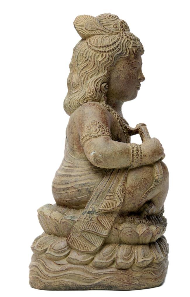 バリのアンティーク風石像 - クリシュナの写真3 - 横から写しました