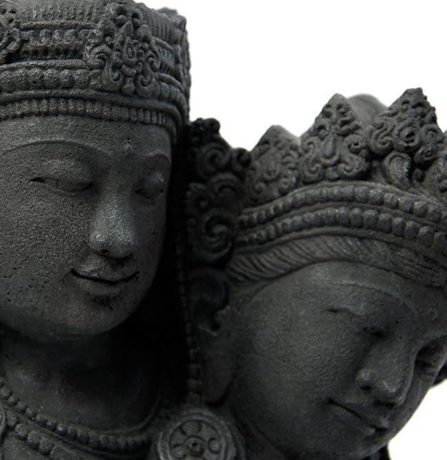 バリのアンティーク風石像 - ラーマ&シータの写真2 - しっかりとした作りで雰囲気があります