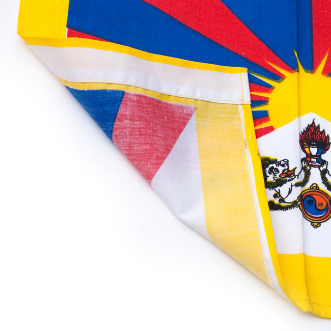 チベットの国旗-小[31cm x 24cm] 2 - 裏には印刷がありません。表面だけになります。