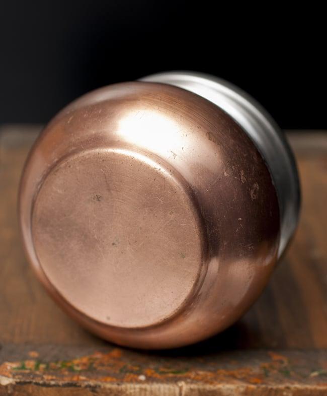 壺型卓上ギーポット【約7cm】 5 - 底面の様子です。