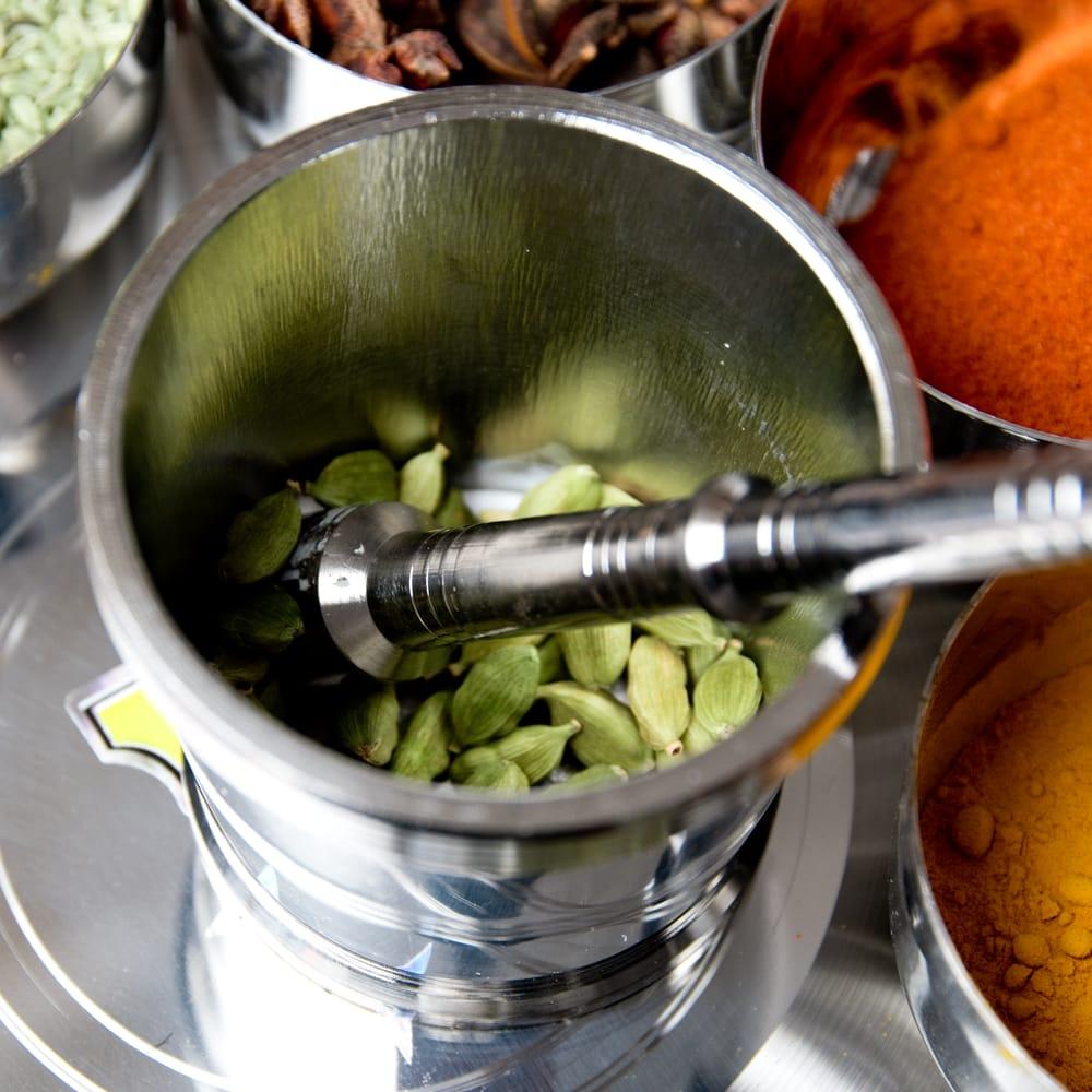 スパイスグラインダー  No.2 直径:約7.3cm 高さ:約6.6cm 7 - SPICEの良い香りが立ち上ります