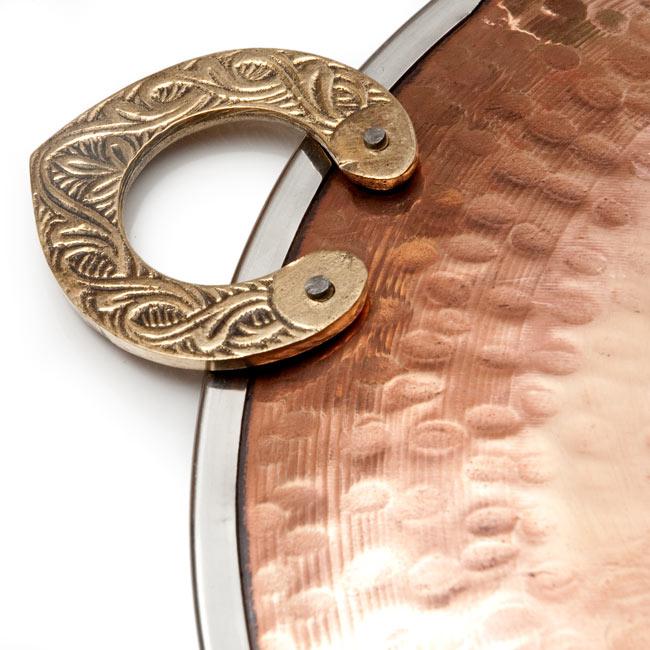 タヴァ槌目仕上げ チャパティやローティ用のフライパン(直径:24cm) 5 - 銅の打ち出しが美しい色彩を描きます
