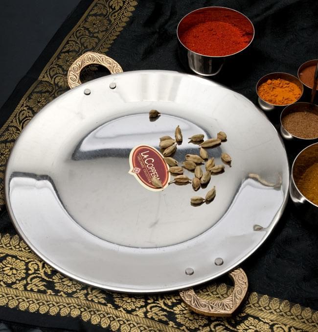 タヴァ槌目仕上げ チャパティやローティ用のフライパン(直径:24cm)の写真