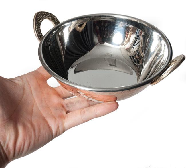カダイ [装飾持ち手付](直径:約15cm)の写真6 - サイズ比較のために、手に持ってみました