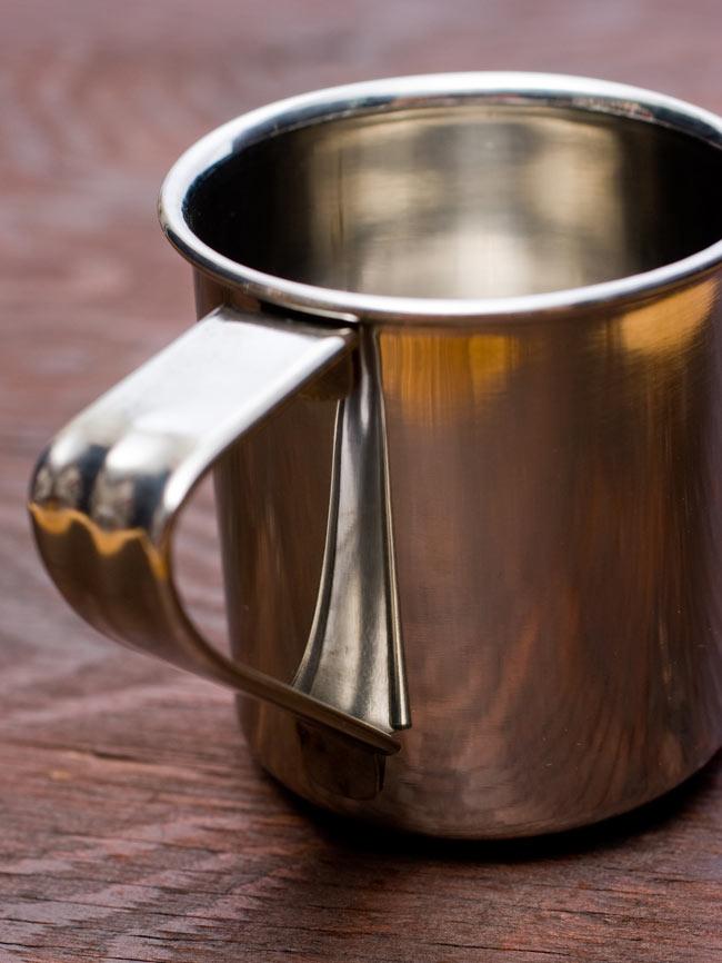 ステンレスのマグカップ [小:直径約7cm×高さ約7.5cm] 3 - シンプルさが魅力的なマグカップです。