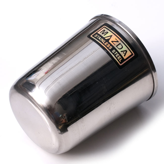 チリチリと音が鳴る!! ステンレスのチャイカップ [直径6.5cm×高さ7.4cm] 4 - 裏面はこんな感じです