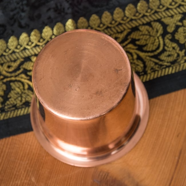 【祭壇用】銅製カップ 【直径:6cm】 4 - 上から撮影しました