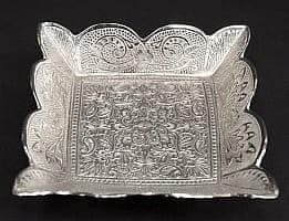 シルバーメタルの飾り皿 四角ふちあり