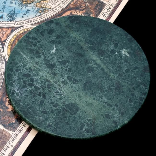 チャパティ用の台 - マーブル製[緑系][直径約22.5cm]の写真