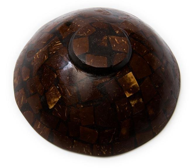 バリのシナモン飾り皿 2枚セットの写真3 - 裏側はこんな感じです。