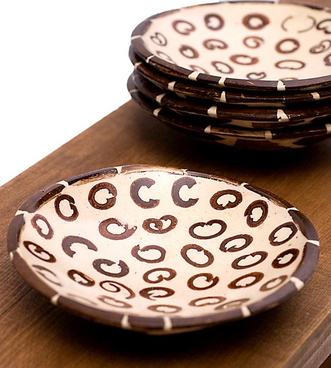 シナモンが香る飾り皿 丸小皿の写真