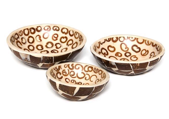 シナモンが香る飾り皿 3枚セットの写真