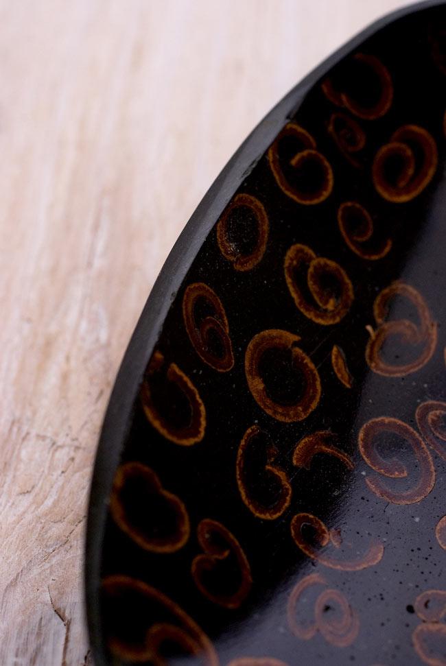 バリのシナモン飾り皿 楕円小皿 の写真3 - 縁の部分を見てみました