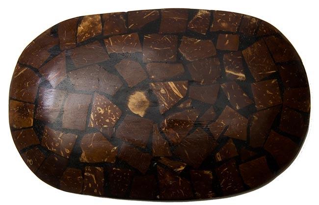 バリのシナモン飾り皿 楕円皿 の写真3 - 裏側はこんな感じです。
