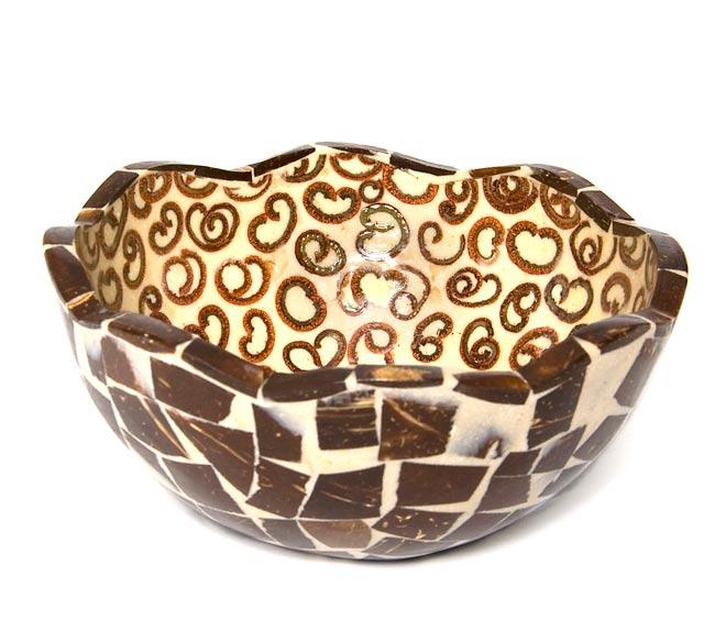 シナモンが香る飾り皿 お椀 の写真