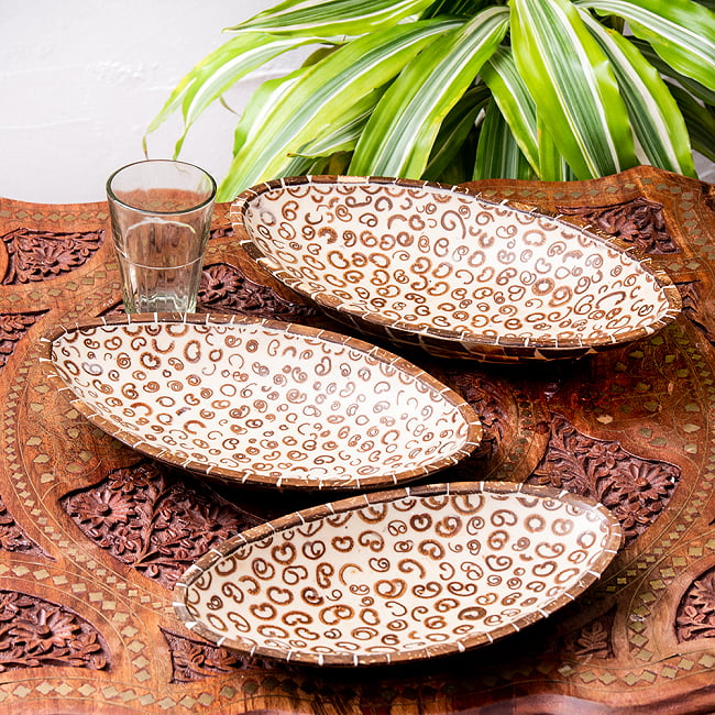 シナモンが香る飾り皿 楕円 3枚セットの写真