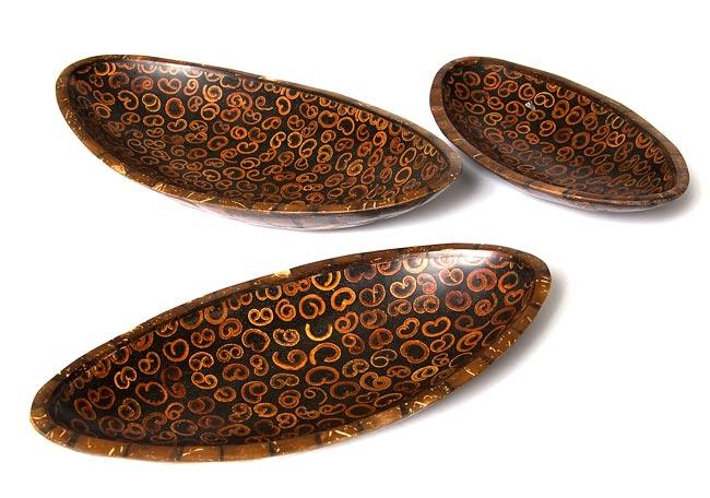 バリのシナモン飾り皿 楕円 3枚セットの写真
