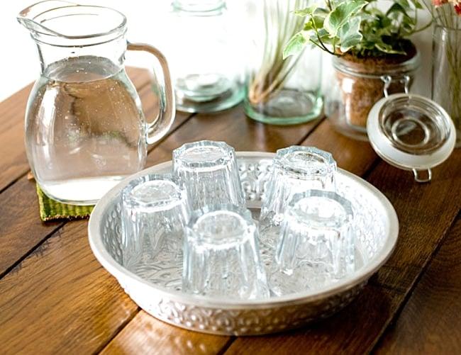 バリのアルミ飾り皿の写真3 - 色々なシチュエーションで使用してみました。