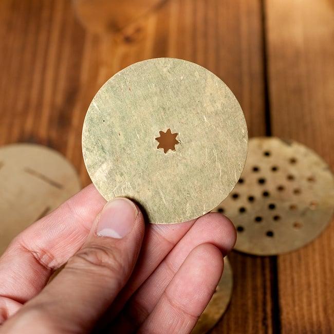 インドのお菓子作成器 - セヴ・サンチャ[Sev sancha]の写真9 - いろいろな形にできます!さまざまな料理に応用がききそうです。