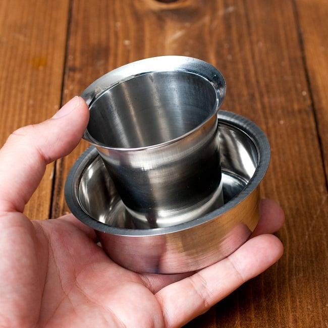 南インドのコーヒーカップとソーサーセット〔直径:約9.2cm〕 7 - このくらいのサイズ感になります