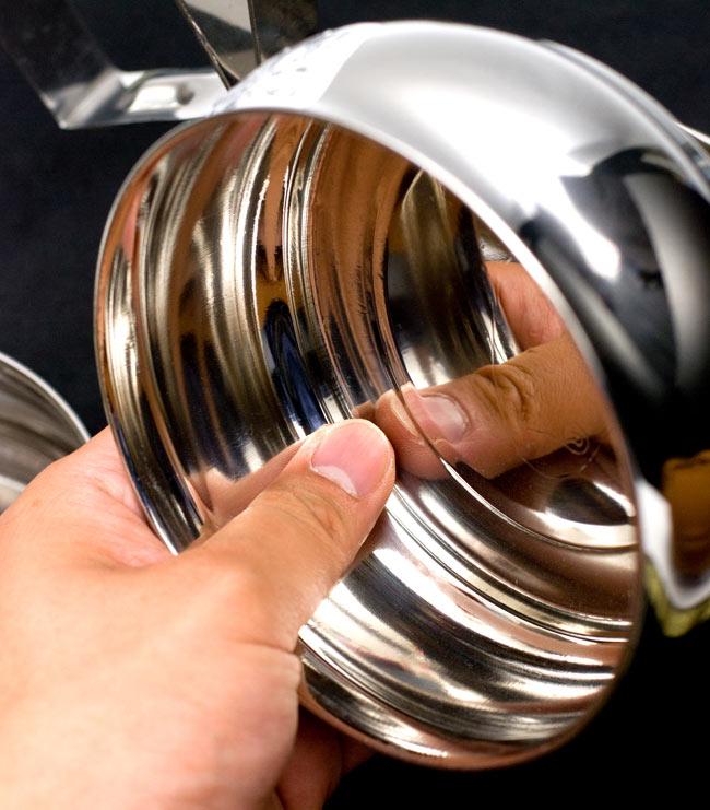 【3段】インドの弁当箱 ベーグル型[23cm(取手含む)] 9 - 深さも約5.5cmほど、見た目以上にたくさん入れられますよ!