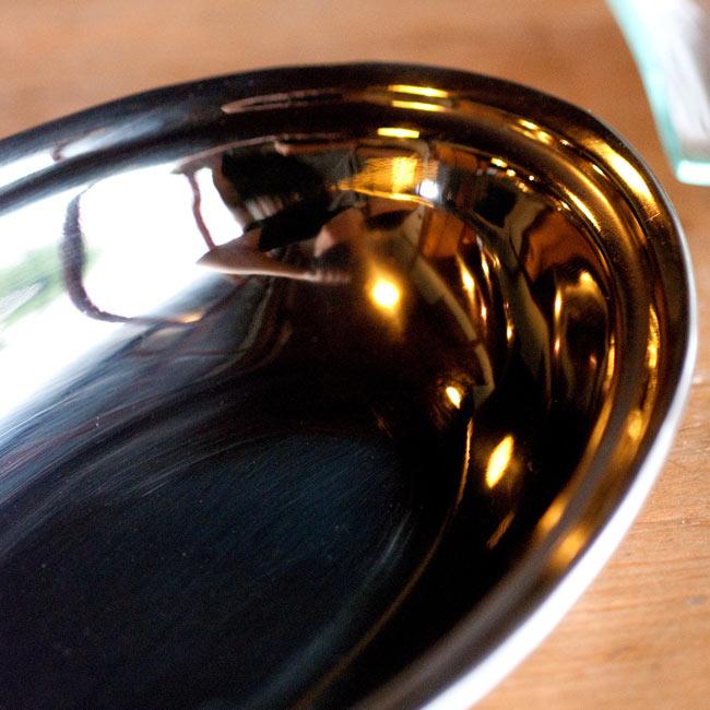 【冷めにくい!二層式】インドのステンレスと銅製 オーバルプレート[約19.2cm×13.2cm]の写真2 - 拡大写真です
