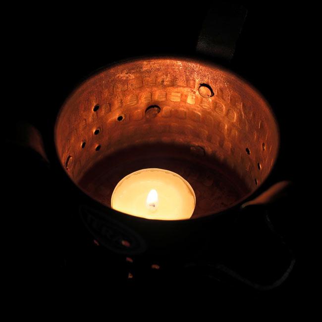 アンギティ カダイ等を温める!フードウォーマー 大【高さ:10.5cm×直径:11cm】の写真7 - 保温の際はティーキャンドルなどを使用します。