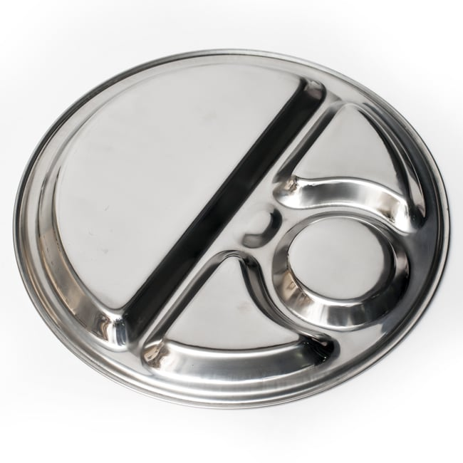 5分割カレー丸皿[直径約32.5cm]の写真6 - 裏面の様子です。シンプルな形状なのでお手入れも楽ちんです。