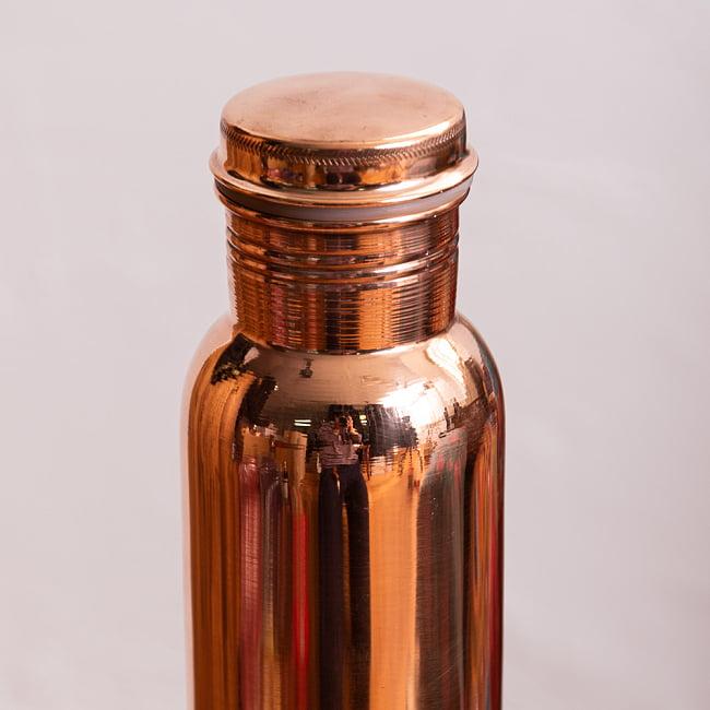 〔非飲料用〕アーユルヴェーダ 銅製ボトル〔700ml〕 4 - 純銅、ハンドメイド、時代を超えたプレゼント品としての魅力、そして賞を受賞しているとアピールしています。