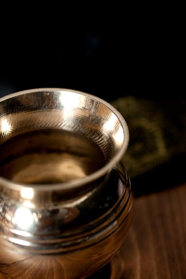インドの水さし ロタ【ブラス】[7.3cm] 3 - フチの写真になります
