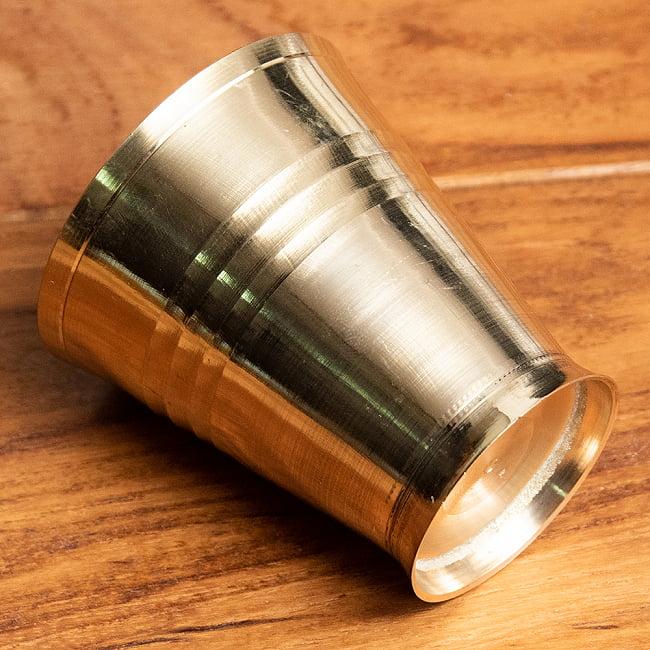 インドの礼拝用ブラス カップ[5.7cm] 3 - フチの写真になります