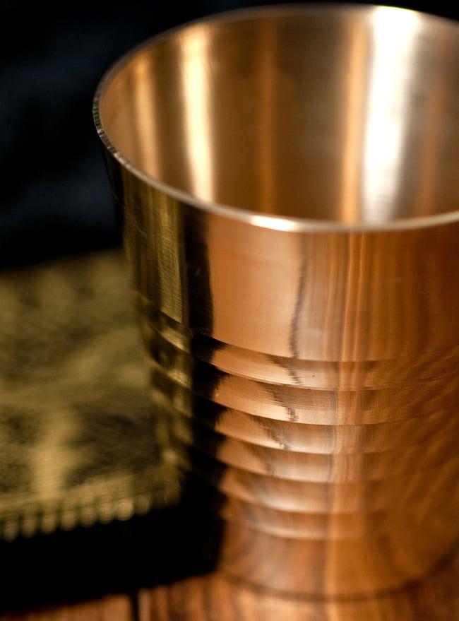 インドの礼拝用ブラス カップ[4.9cm] 2 - 拡大写真です