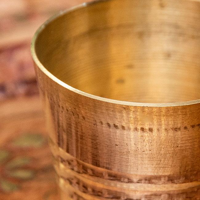 インドの礼拝用ブラス カップ[4cm] 2 - 拡大写真です