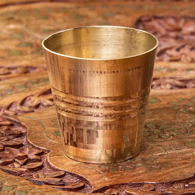 インドの礼拝用ブラス カップ[4cm]の写真