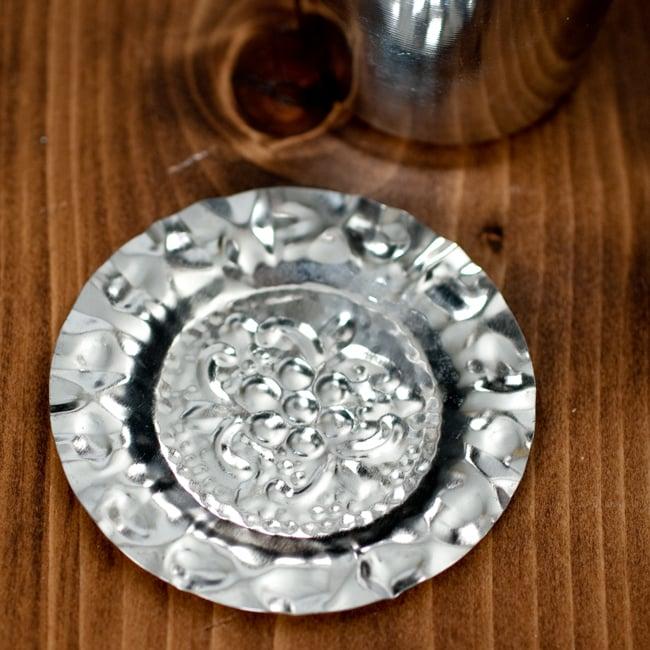 南インド式 コーヒーソーサーとコースターセット[アップサイクル品] 【直径:約6.4cm】の写真7 - コースターの拡大写真です。
