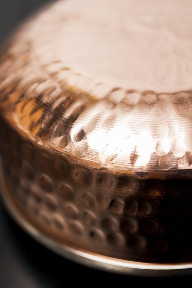 槌目付き 銅装飾のロイヤルソースパン(14.8×6cm)の写真5 - 丁寧に打ち込まれた槌目