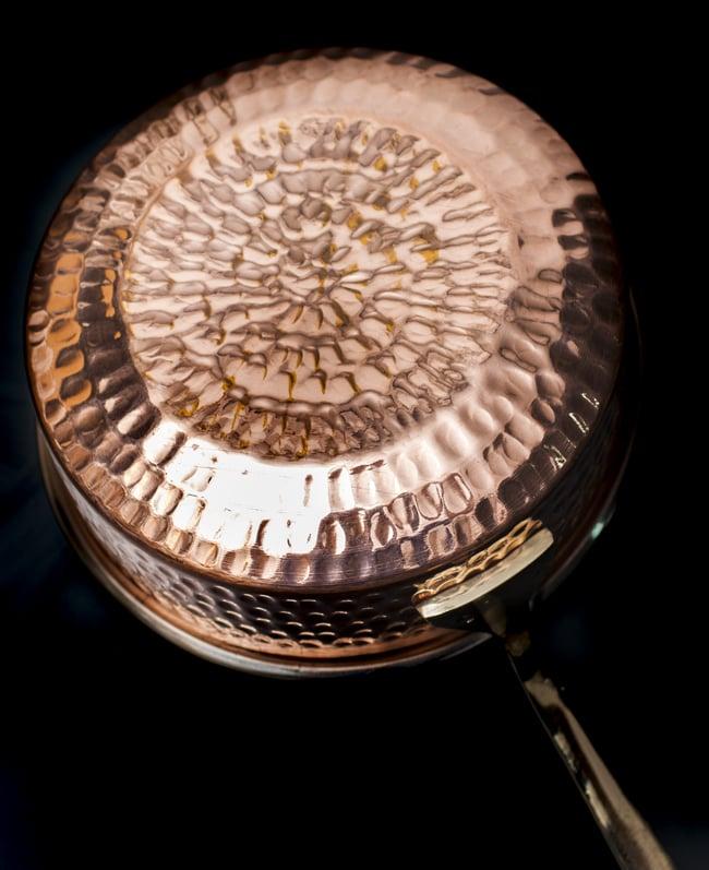 槌目付き 銅装飾のロイヤルソースパン(16.5cm×5cm)の写真5 - 丁寧に打ち込まれた槌目