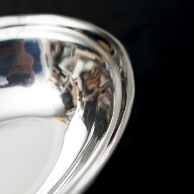 槌目付き 銅装飾のオーバルプレート(19cm×13cm)の写真3 - 違う箇所を見てみました。